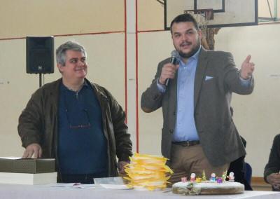 Χαιρετισμός του Μιχάλη Βρεττού σε εκδήλωση του αθλητικού συλλόγου Αχαρνής. Μαζί με τον Πρόεδρο κ. Ιγνατιάδη